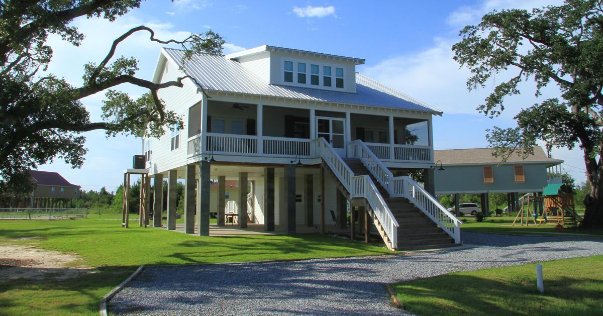 elevated-coastal-home-near-beach